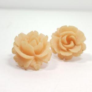 CROWN TRIFARI clip on  vintage earrings
